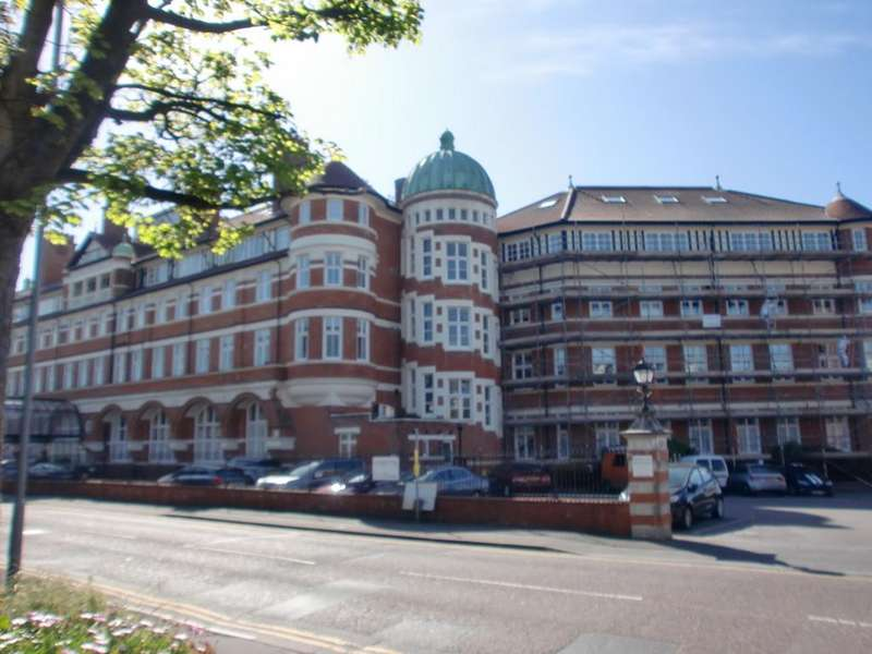 1 Bedroom Ground Flat for sale in Burlington Mansions, Owls Road