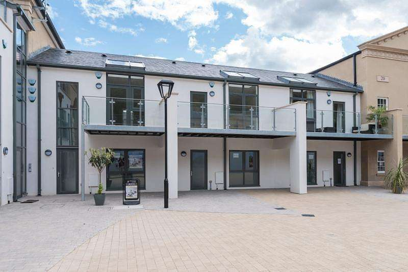 3 Bedrooms Town House for sale in 12 The Courtyard, Axwell Park