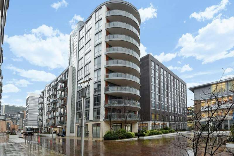 2 Bedrooms Penthouse Flat for sale in Ealing Road, Brentford, TW8