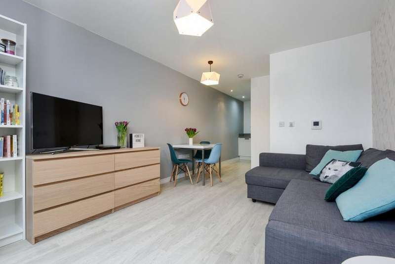1 Bedroom Flat for sale in Blondin Way, Rotherhithe, SE16