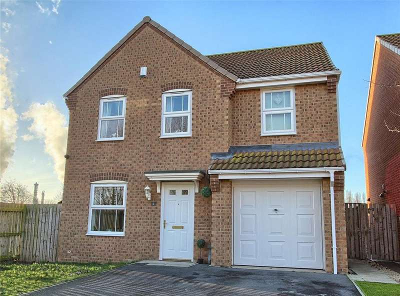4 Bedrooms Detached House for sale in Charlton Close, Billingham