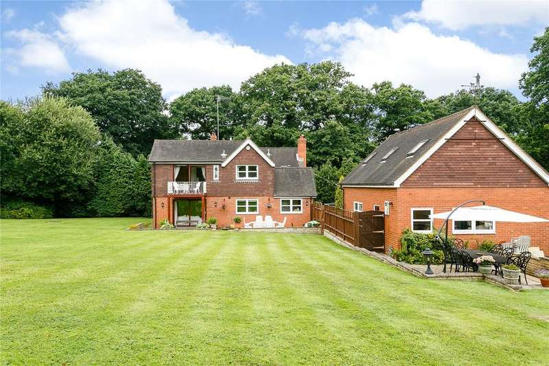 4 Bedrooms Detached House for sale in Dorking Road, Warnham, Horsham, West Sussex