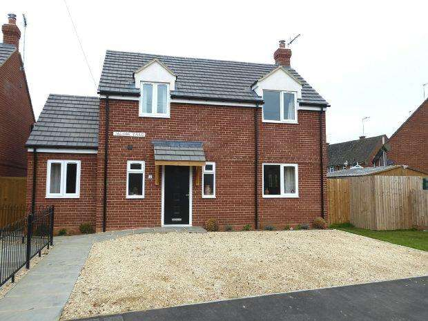 3 Bedrooms Detached House for sale in Jacobs Yard, Kemps Road, Twyford