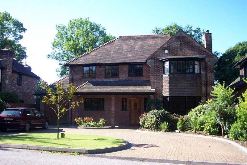 4 Bedrooms Detached House for sale in Oakwood Close, Chislehurst, BR7