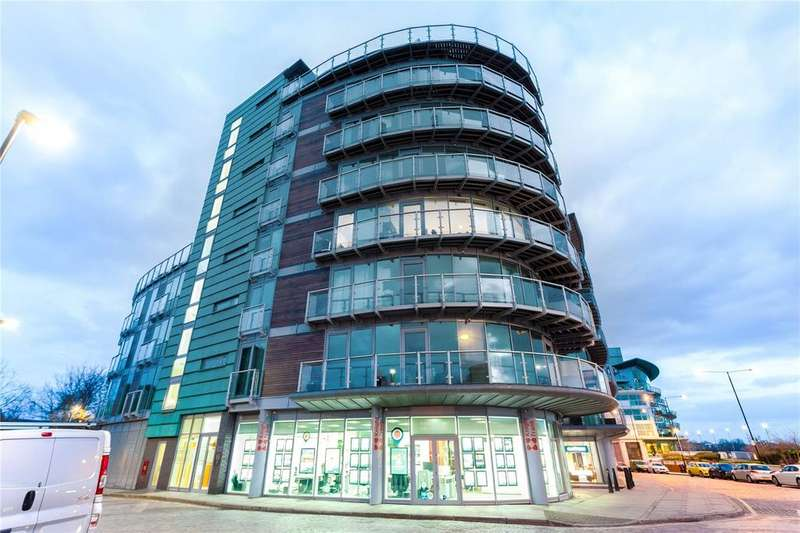 3 Bedrooms Flat for sale in Wapping High Street, London, E1W