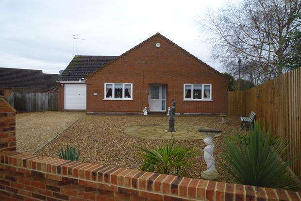 3 Bedrooms Detached Bungalow for sale in Walton Road, Wisbech, PE13