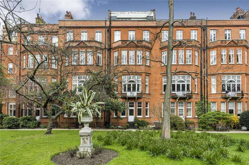 3 Bedrooms Maisonette Flat for sale in Cadogan Gardens, Chelsea, London, SW3