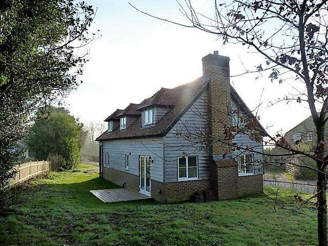 4 Bedrooms Detached House for sale in Netherfield Road, Netherfield, East Sussex, TN33 9QB