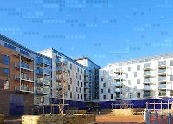 2 Bedrooms Flat for sale in St. Luke's Square, Canning Town, London, E16