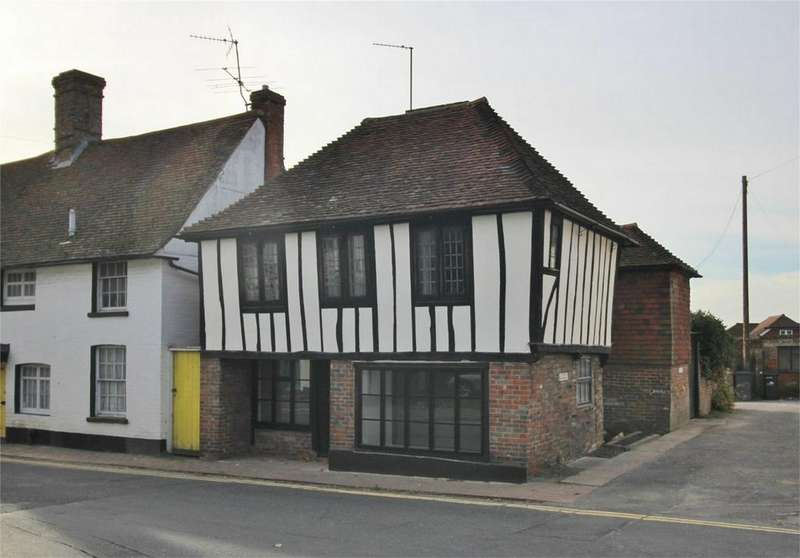 3 Bedrooms Link Detached House for sale in Church Street, Uckfield, East Sussex