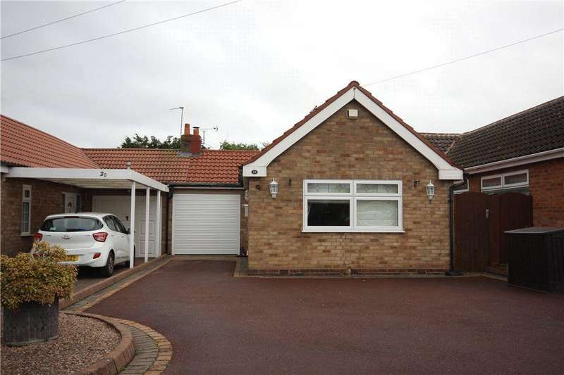 2 Bedrooms Semi Detached Bungalow for sale in Fords Road, Shirley, Solihull, West Midlands, B90