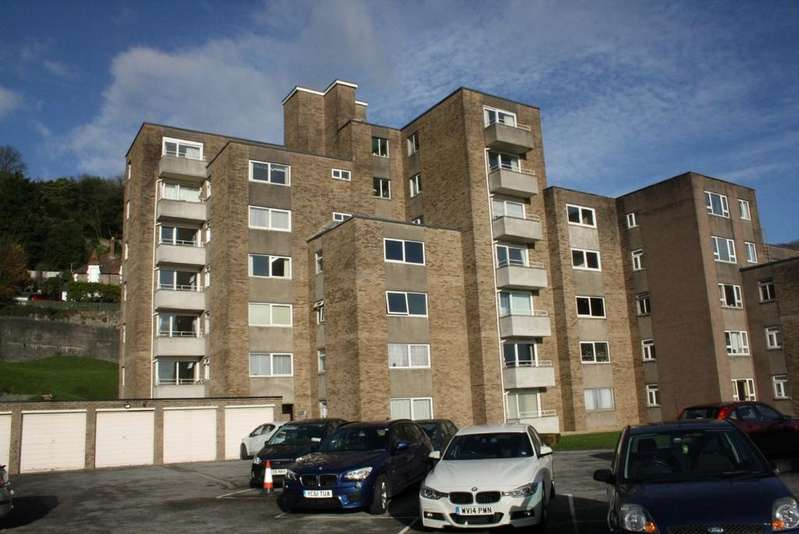 2 Bedrooms Flat for sale in Grove Park Road, Weston-super-Mare