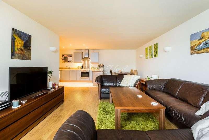 2 Bedrooms Flat for sale in Longstone Court, Borough, SE1