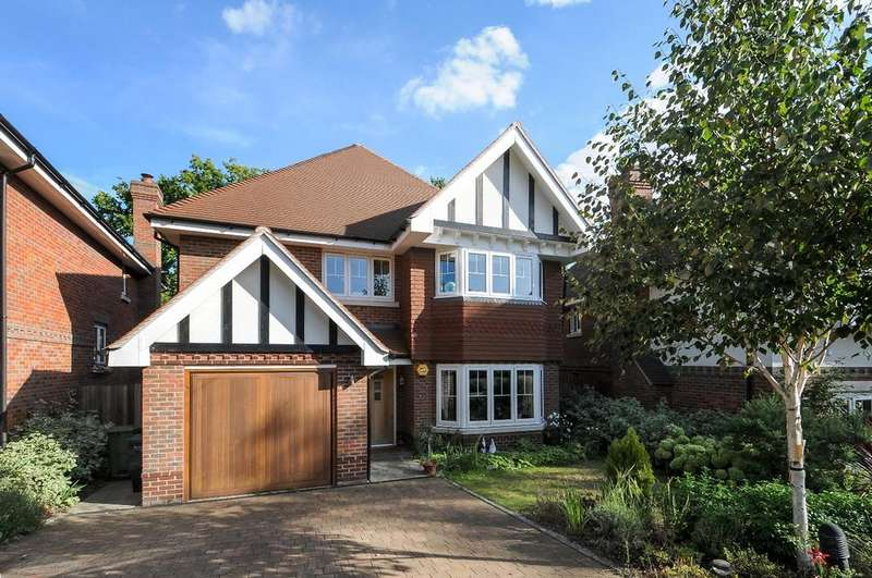 5 Bedrooms Detached House for sale in Caverleigh Place Bromley BR1