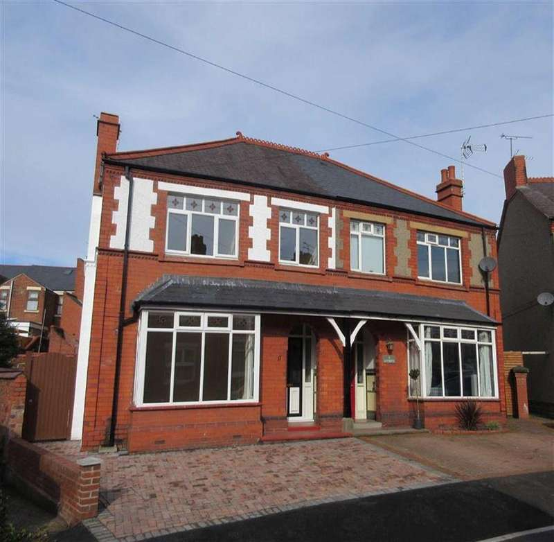 4 Bedrooms Semi Detached House for sale in Jubilee Road, Wrexham