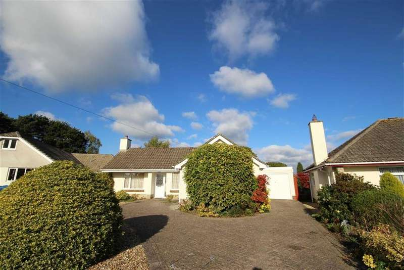 2 Bedrooms Detached Bungalow for sale in Linden Close, West Parley