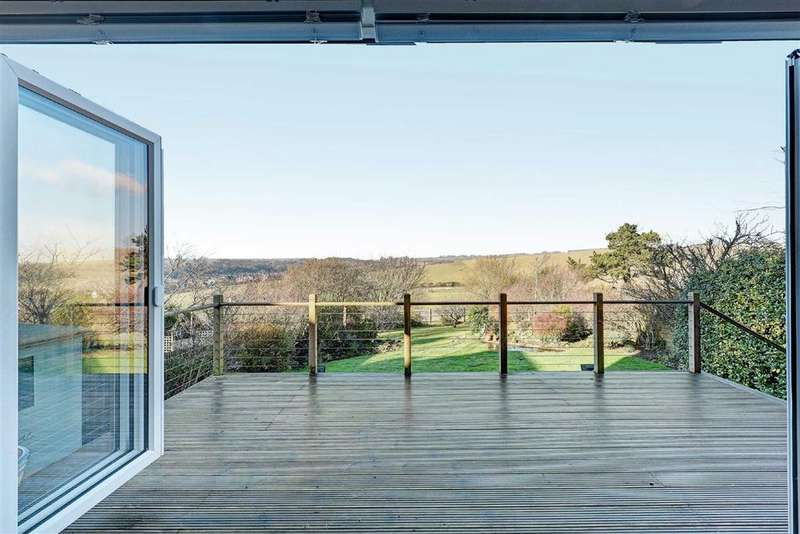 4 Bedrooms Detached House for sale in Bazehill Road, Rottingdean