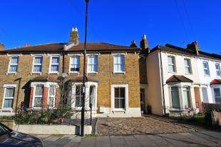 3 Bedrooms Terraced House for sale in Fairlawn Park, Sydenham, London, .