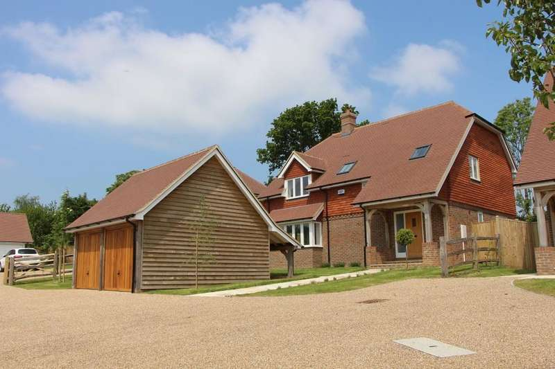 5 Bedrooms Detached House for sale in Heathfield Road, Burwash Weald
