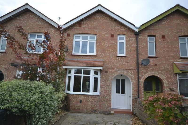 3 Bedrooms Terraced House for sale in Ormonde Avenue, Chichester