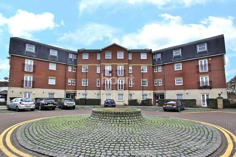 2 Bedrooms Flat for sale in Queensberry Place