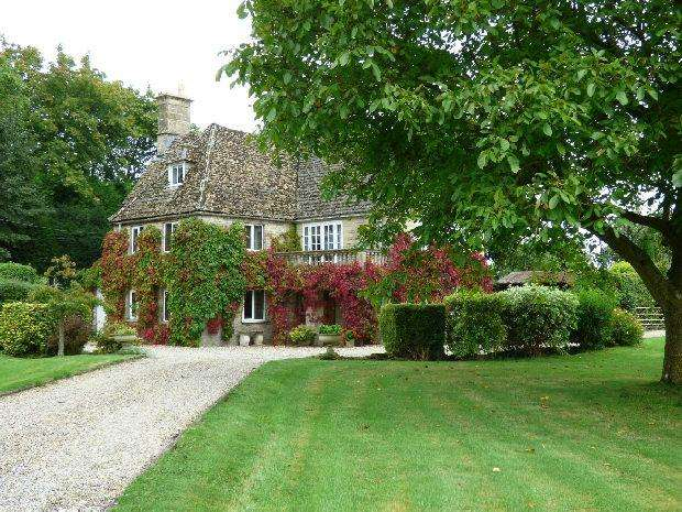 4 Bedrooms Detached House for sale in Minety, Wiltshire
