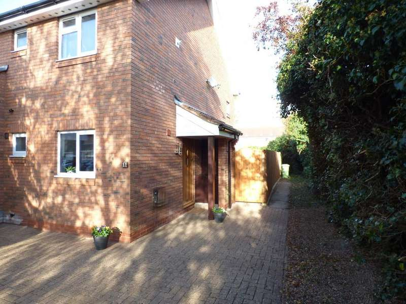 1 Bedroom Apartment Flat for sale in Carew Close, Stratford-Upon-Avon