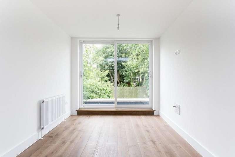 2 Bedrooms Apartment Flat for sale in Springdale Road, N16 9NX