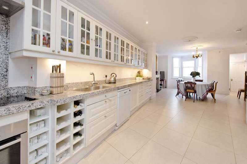 4 Bedrooms House for sale in Blythe Road Brook Green W14