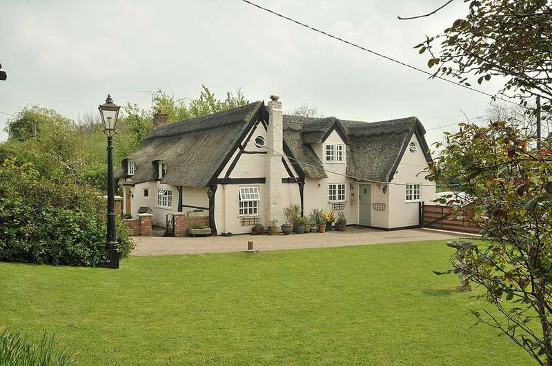 3 Bedrooms Detached House for sale in Knutsford, Cheshire