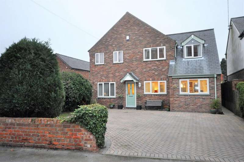 4 Bedrooms Detached House for sale in Low Street, Carlton