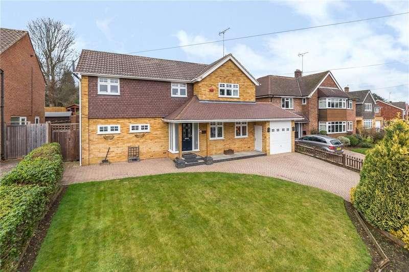 4 Bedrooms Detached House for sale in Broadfields, Harpenden, Hertfordshire