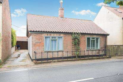 1 Bedroom Detached House for sale in Silver Street, Baumber, Horncastle, Lincolnshire