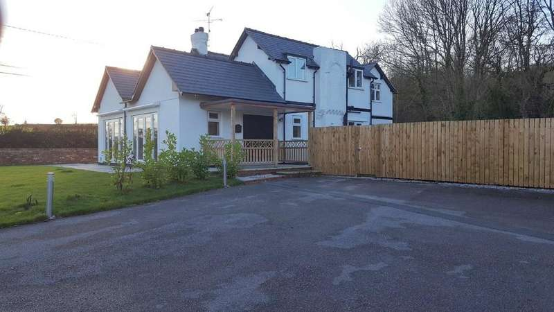 4 Bedrooms Detached House for sale in Park Lane, Rossett