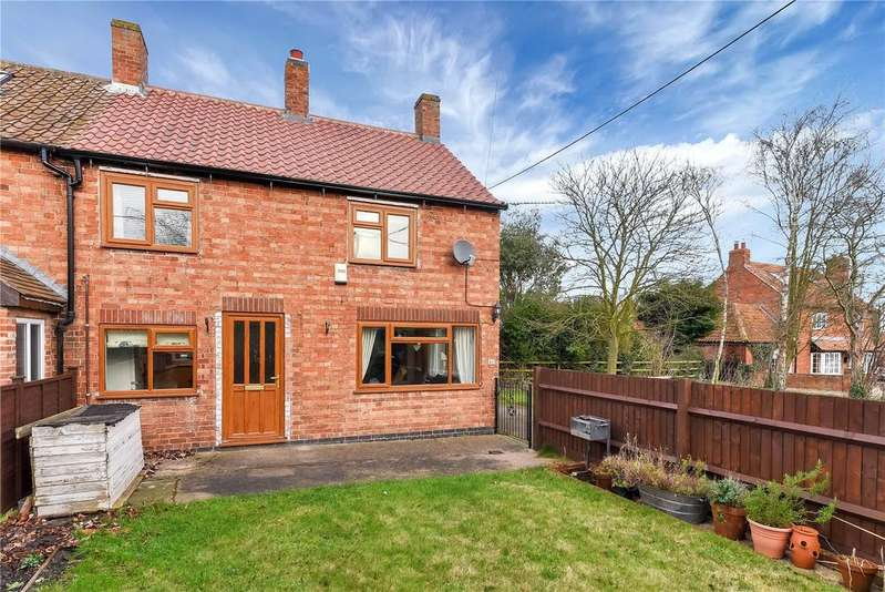 3 Bedrooms Semi Detached House for sale in East End, Long Clawson, Melton Mowbray