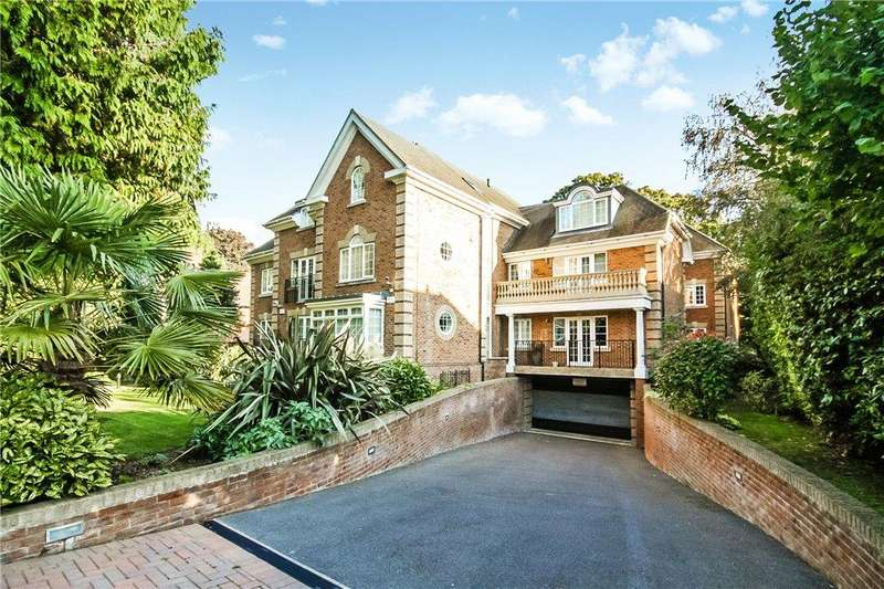 3 Bedrooms Flat for sale in Kings Court, 28 Tower Road, Poole, BH13
