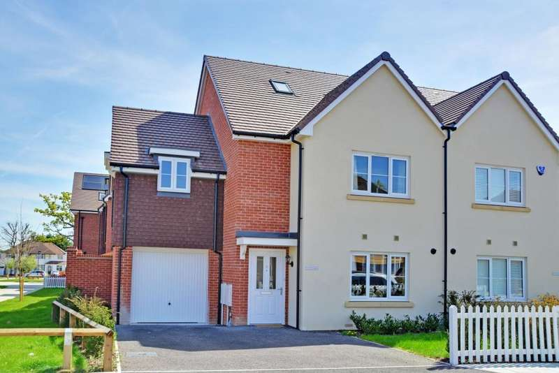 5 Bedrooms Semi Detached House for sale in Montbelle Road, New Eltham/Chislehurst Borders, London, SE9