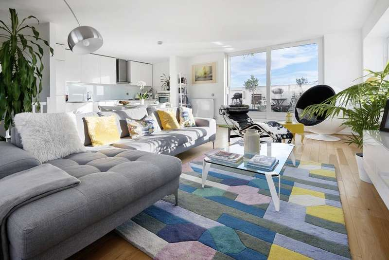 2 Bedrooms Apartment Flat for sale in Becquerel Court, Greenwich, SE10