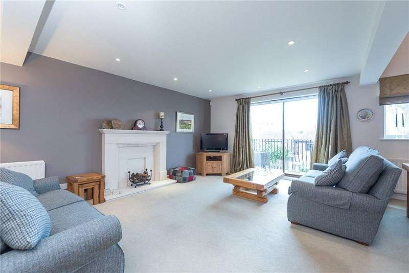 3 Bedrooms Detached House for sale in Westfield Lane, South Milford, Leeds, North Yorkshire