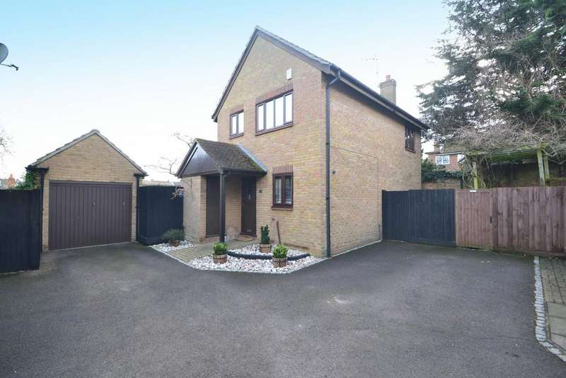 3 Bedrooms Detached House for sale in The Dell, Great Baddow