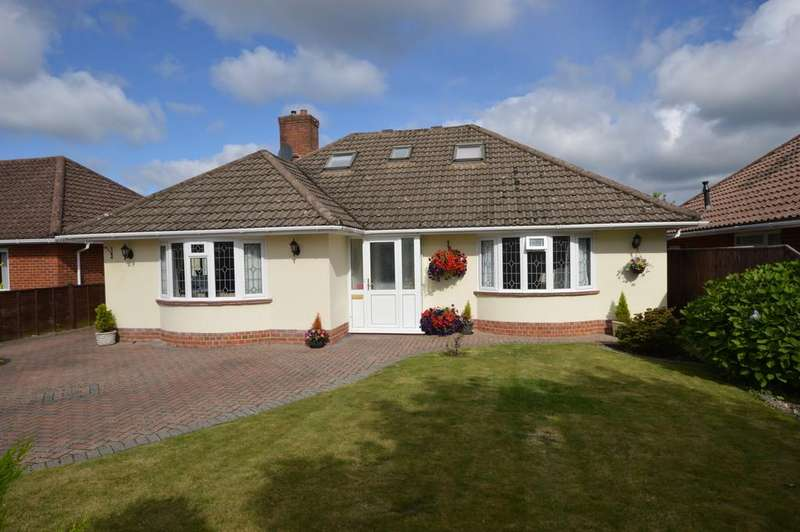 4 Bedrooms Detached Bungalow for sale in Crossmead Avenue, New Milton