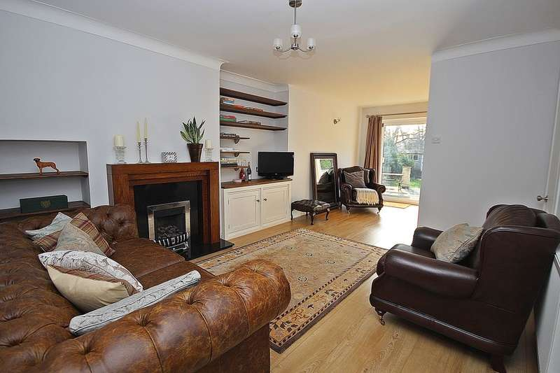 3 Bedrooms Semi Detached House for sale in Plantation Avenue, Leeds, LS15