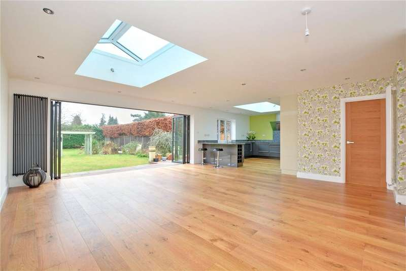 5 Bedrooms Detached House for sale in Leesons Hill, Chislehurst, BR7