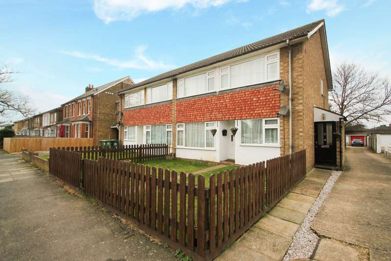 2 Bedrooms Maisonette Flat for sale in Gordon Road, Ashford, TW15