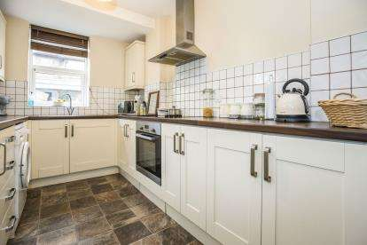 3 Bedrooms Terraced House for sale in Colenso Road, Ashton-On-Ribble, Preston, Lancashire, PR2