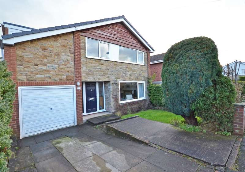 4 Bedrooms Detached House for sale in Dean Close, Wrenthorpe, Wakefield