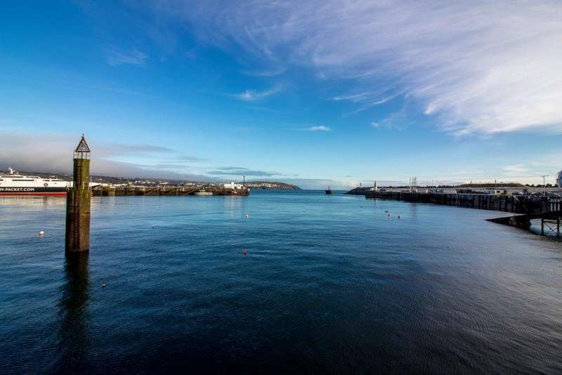 3 Bedrooms House for sale in Ravens Wharf, South Quay, Douglas, IM1 5BT
