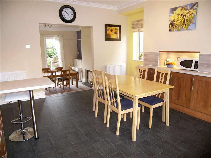 5 Bedrooms Detached House for sale in Throstle House, Silver Royd Road, Wortley, Leeds