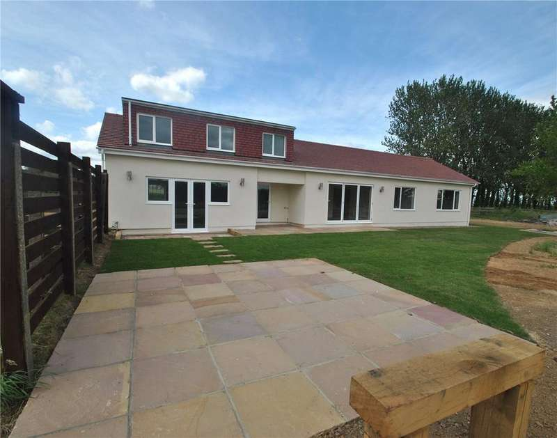 4 Bedrooms Detached House for sale in Parkgate Road, Orpington, BR6