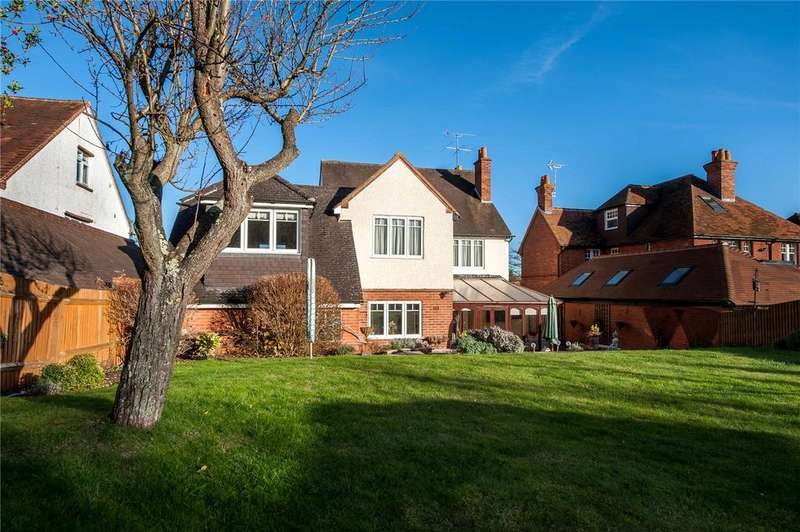 5 Bedrooms Detached House for sale in Oak Tree Road, Tilehurst, Reading, Berkshire, RG31
